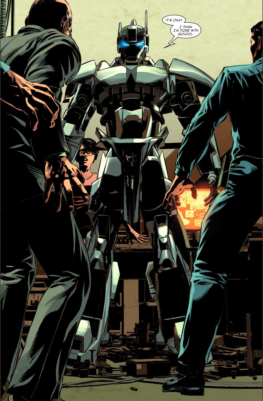 Riri Williams Creates Her Own Iron Man Armor