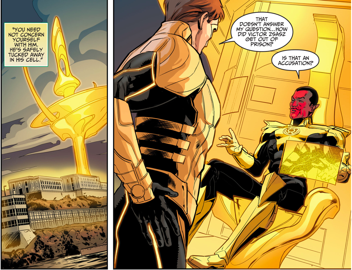 Yellow Lantern (Hal Jordan) Punches Sinestro